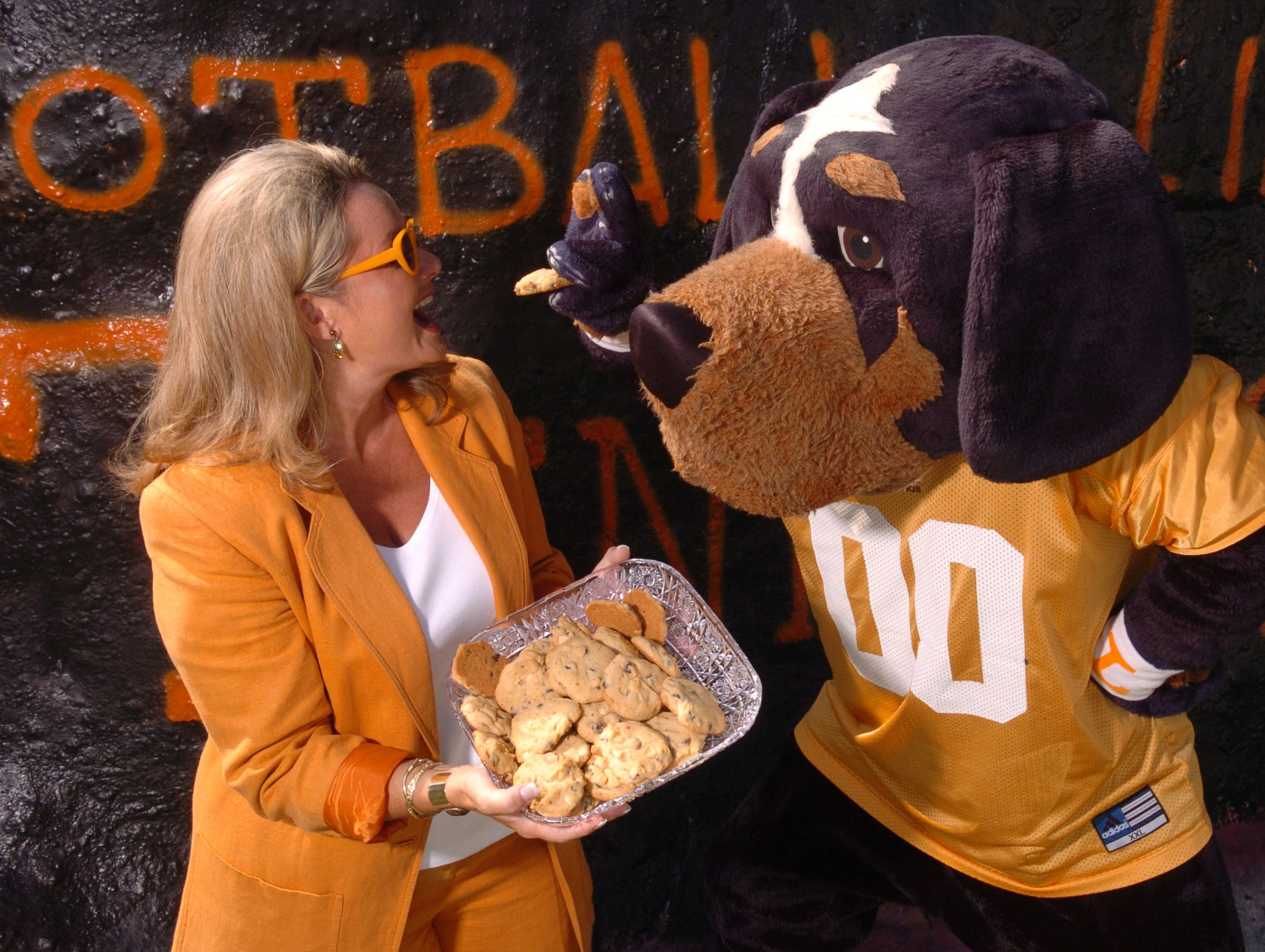 UT cheerleaders coach and Smokey mascot. 7/22/2004