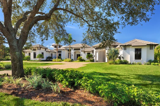 Diamond Custom Homes won a Silver Aurora in the Best Custom Home over 8,000 square feet category for a private residence in Quail West.