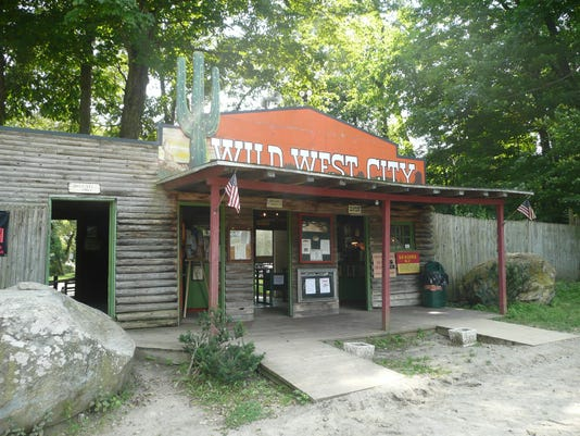 Wildwestentrance