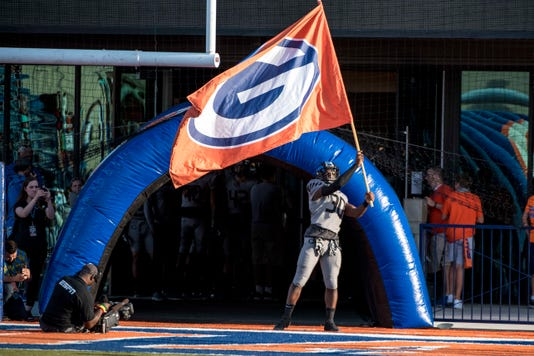 High School Football St Dematha At Bishop Gorman