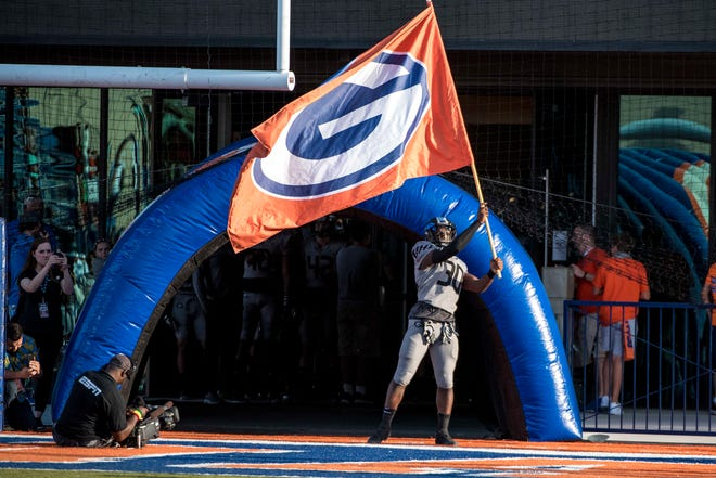 The Bishop Gorman Gaels travel to Chandler to take on Hamilton on Friday, Sept. 17, 2021.
