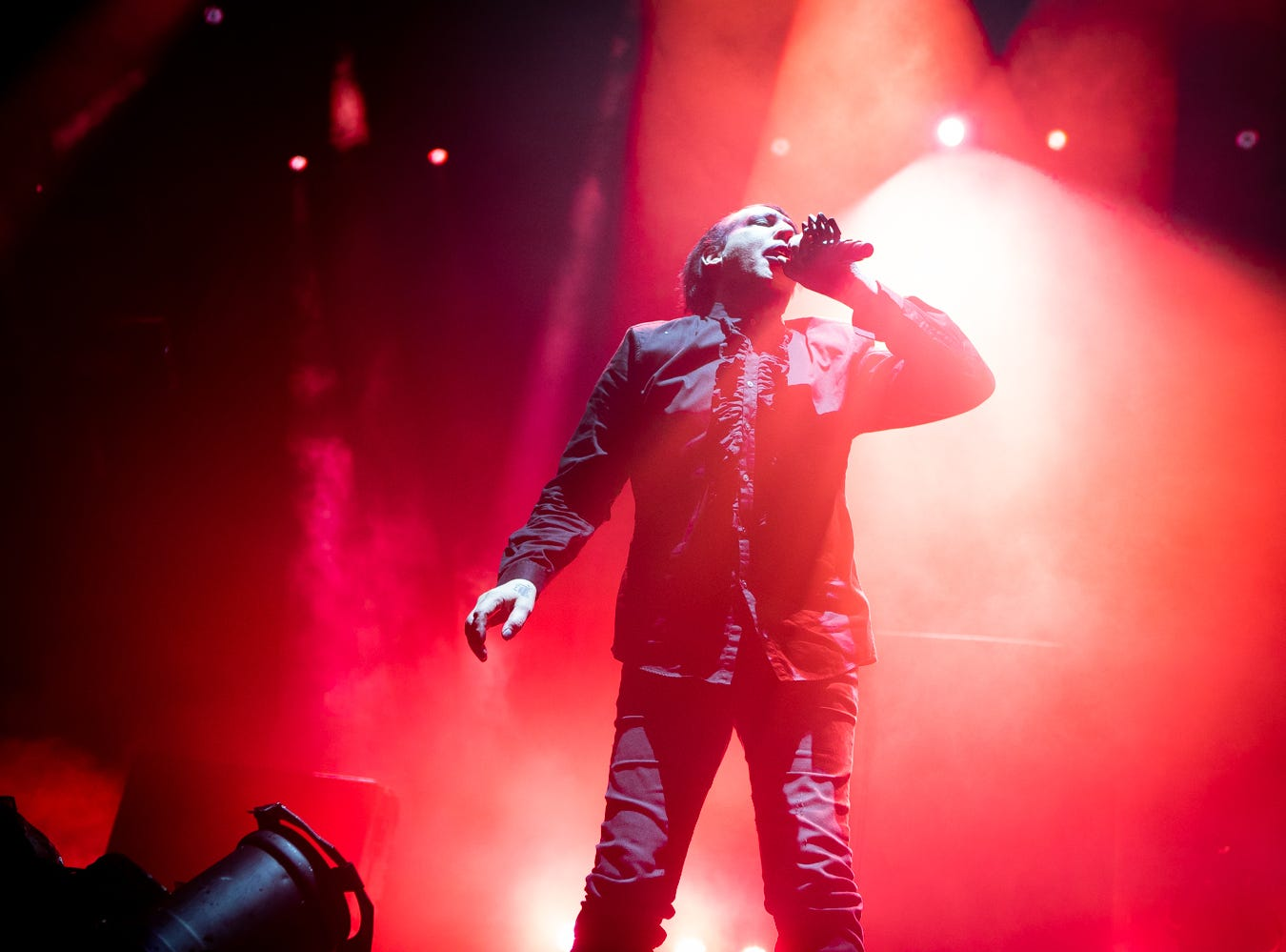 Marilyn Manson performs with Rob Zombie at Ak-Chin Pavilion in Phoenix, Sunday, Aug. 26, 2018.