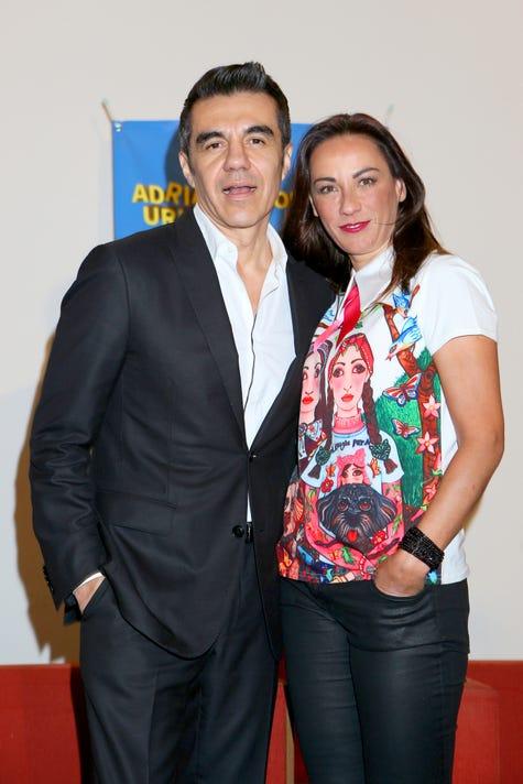 Consuelo Duval Y Adrian Uribe Lavoz