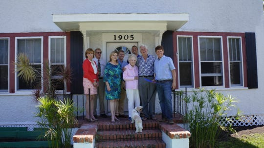 Gladys LaForge, Bill Zorc, Sharon Knowles, Theo Perry, Tem Fontaine, Alma Lee Loy, Harry Hurst, Louis Schacht and 'Beau.'