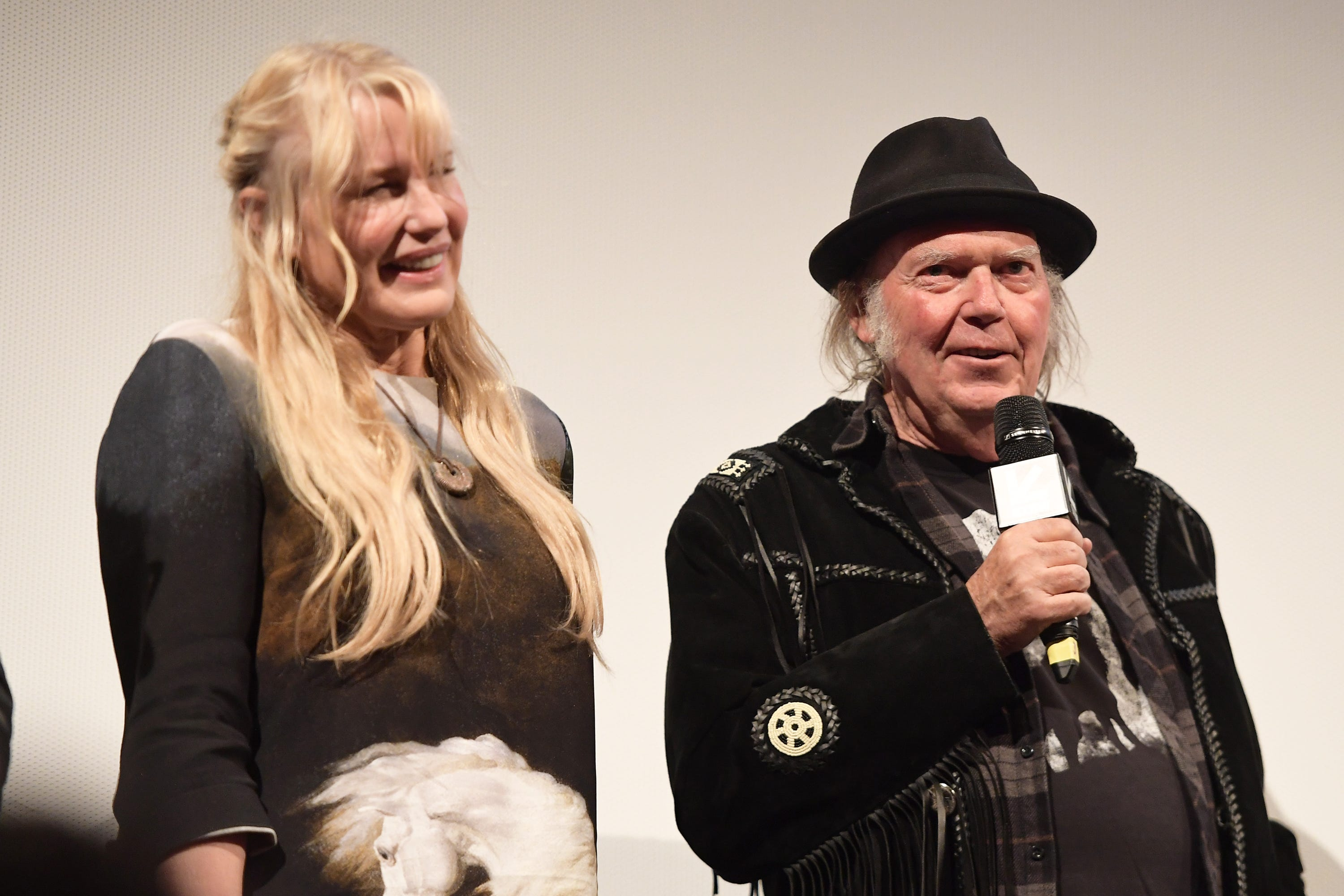 Neil Young and Daryl Hannah got married? So say their pals on social media