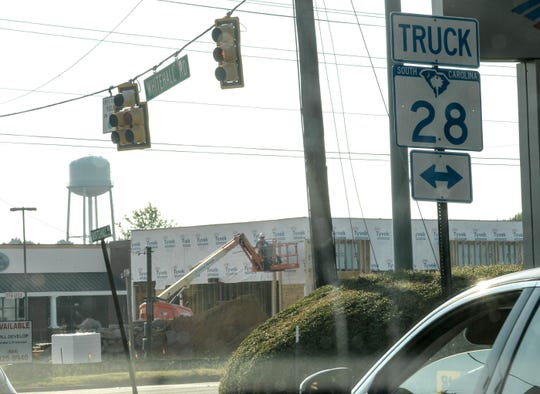 Traffic on Whitehall Road at the intersection of State 28 bypass in Anderson.