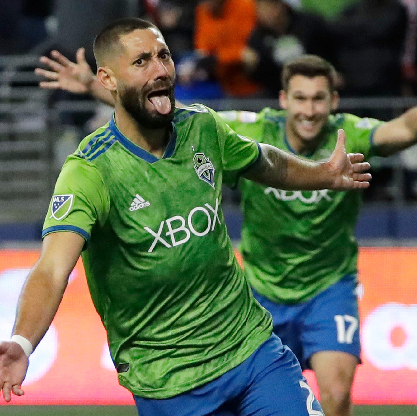 Seattle Sounders' Clint Dempsey announces immediate retirement
