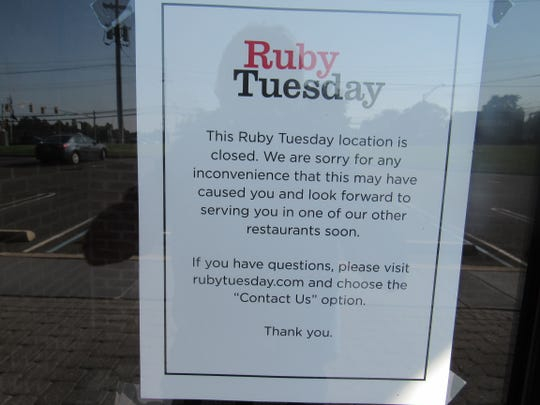 The closure notice on the front door of Ruby Tuesday in Bridgewater