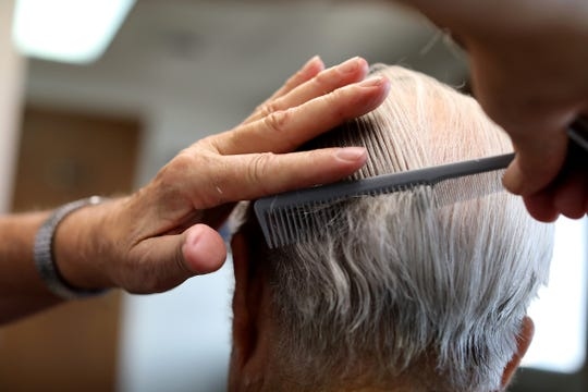 Fraley's barbershop in St  Clair closes after 33 years