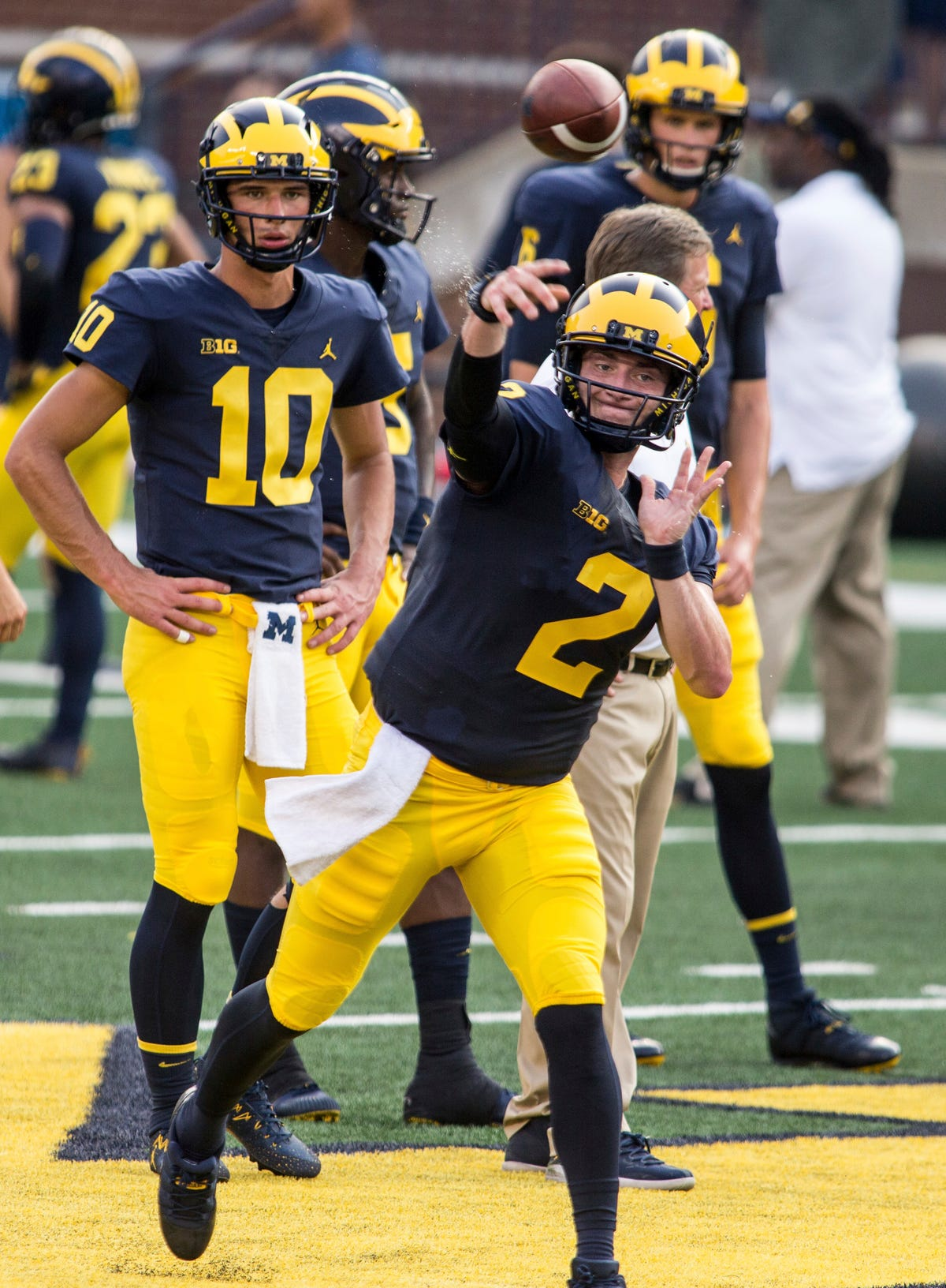 best website 0b8c7 c8c7f Shea Patterson won 'close competition' to be Michigan ...