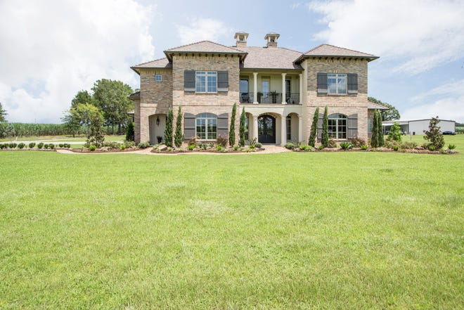 This4Bedroom, 4 1/2 half bath home is located at6711 E Hwy 90 inNew Iberia. It is listed at$799,000.