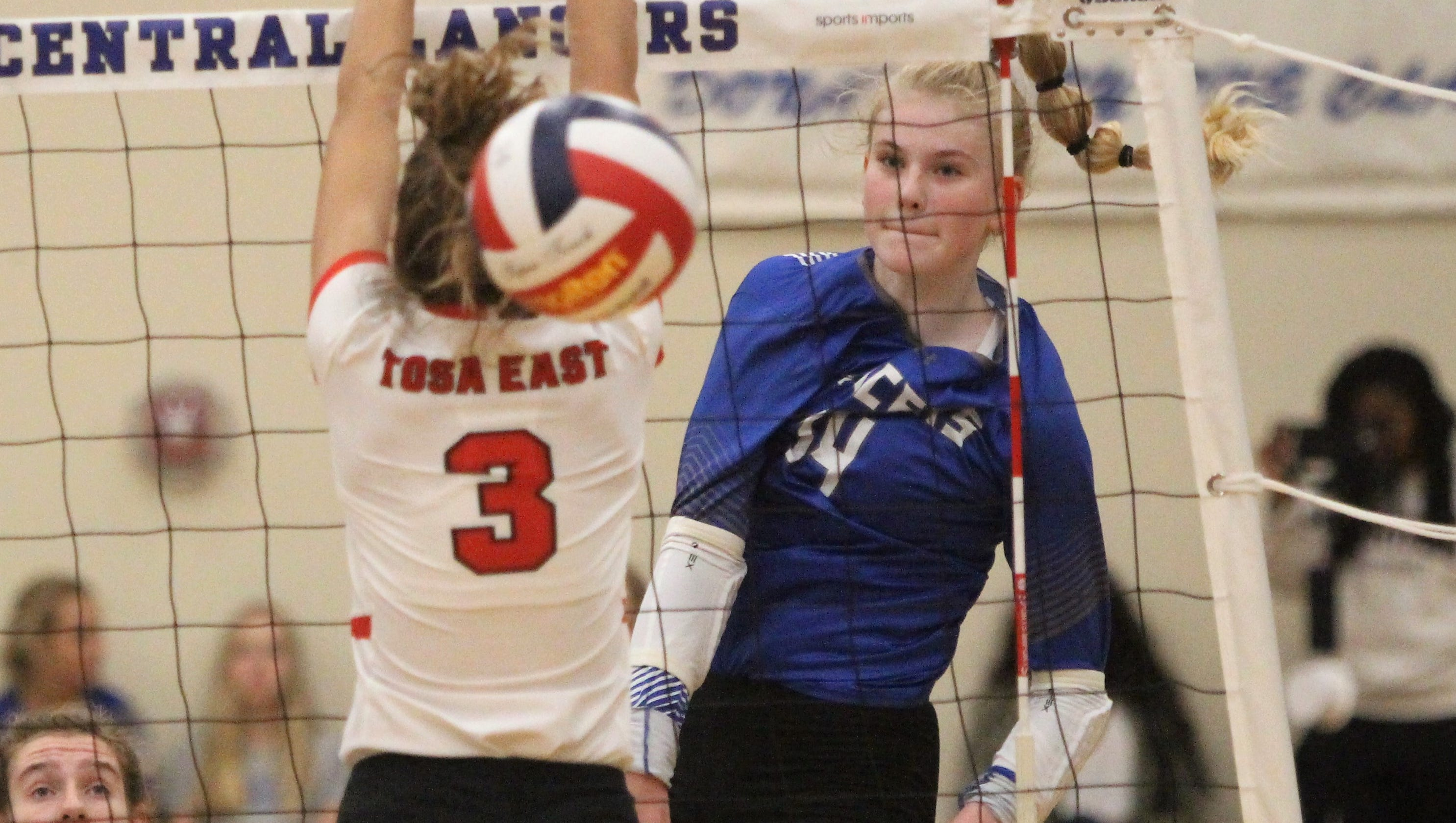 ef122f6f58b A 'lethal attacker,' Brookfield Central's Mckenna Wucherer made a college  volleyball commitment in middle school