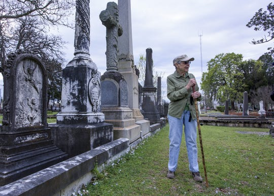 Mary Ann Neeley leads a walking tour of historic Oakwood Cemetery in Montgomery, Ala., on Saturday March 18, 2017.