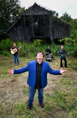 """Shenandoah, known for songs including """"Two Dozen Roses,"""" will play a free show at Ole Red on Wednesday."""