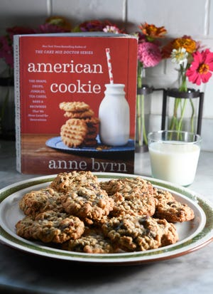 """American Cookie"" offers more than 100 cookie recipes."