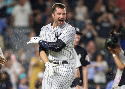 Neil Walker lifts New York Yankees with walk-off HR to down White Sox 28f42e04e01