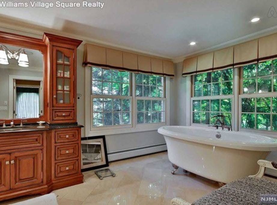 Stay in style in Franklin Lakes. This 5 bedroom home also has 5.5 baths. Cost: $3,000/night