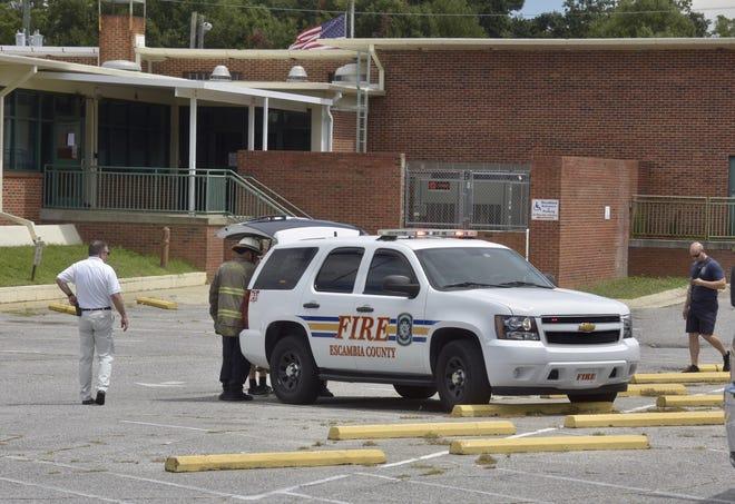 Escambia Fire Rescue is on scene investigating a possible gas leak at the Escambia County Corrections Office building at the intersection of Palafox and Maxwell streets.