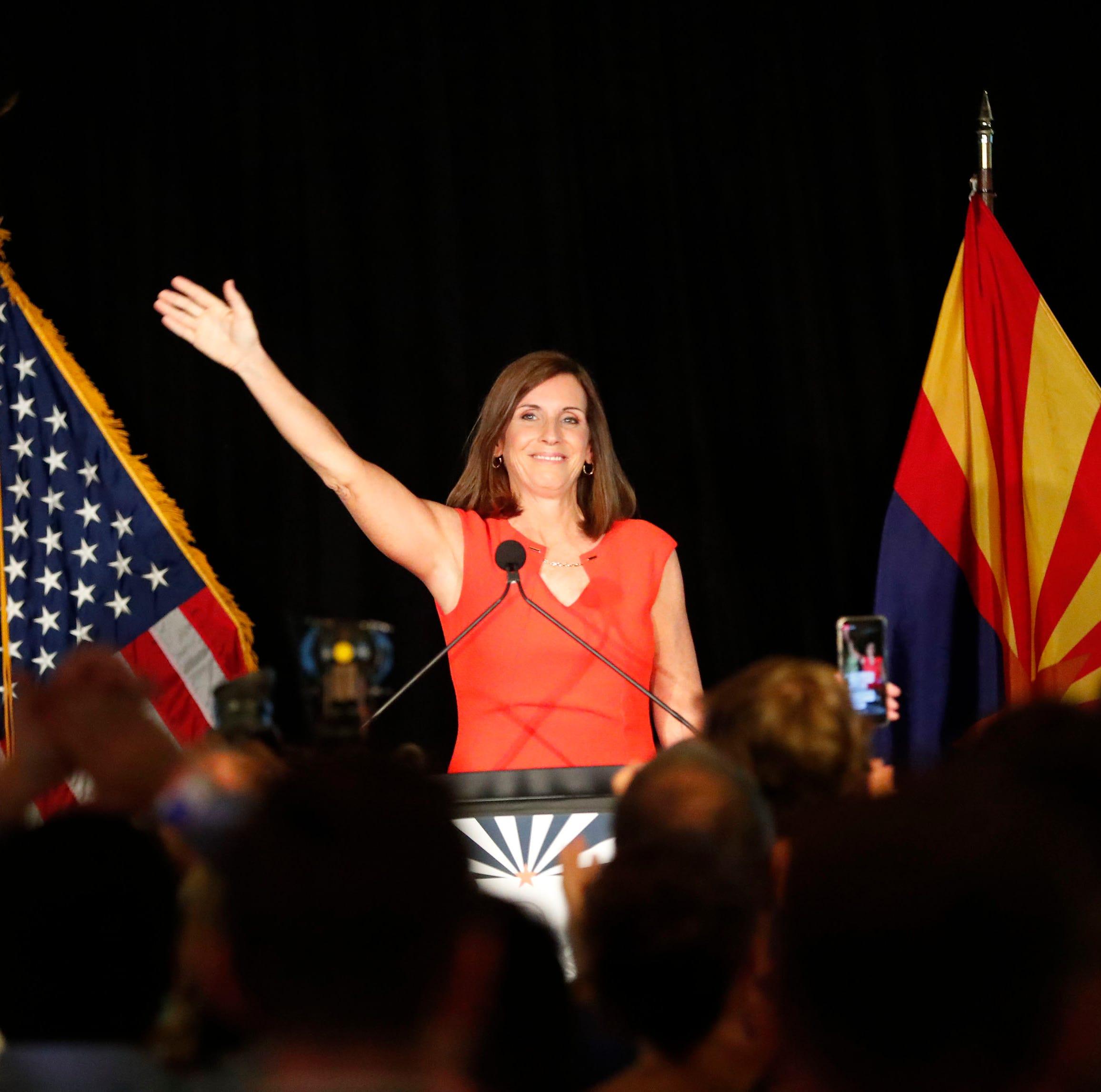 Martha McSally, Kyrsten Sinema ganan sus respectivas contienda por el senado
