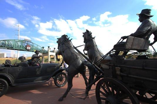 Avery Plaza Sculpture Dedication018
