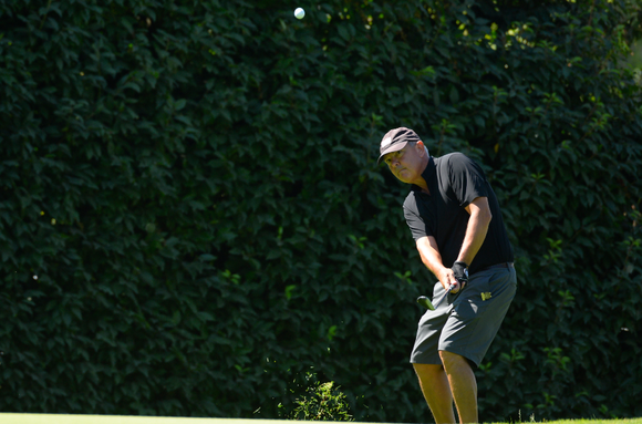 Ned Zachar won a pair of matches on Tuesday at Eugene C.C. in comeback fashion to make the U.S. Senior Amateur quarterfinals.