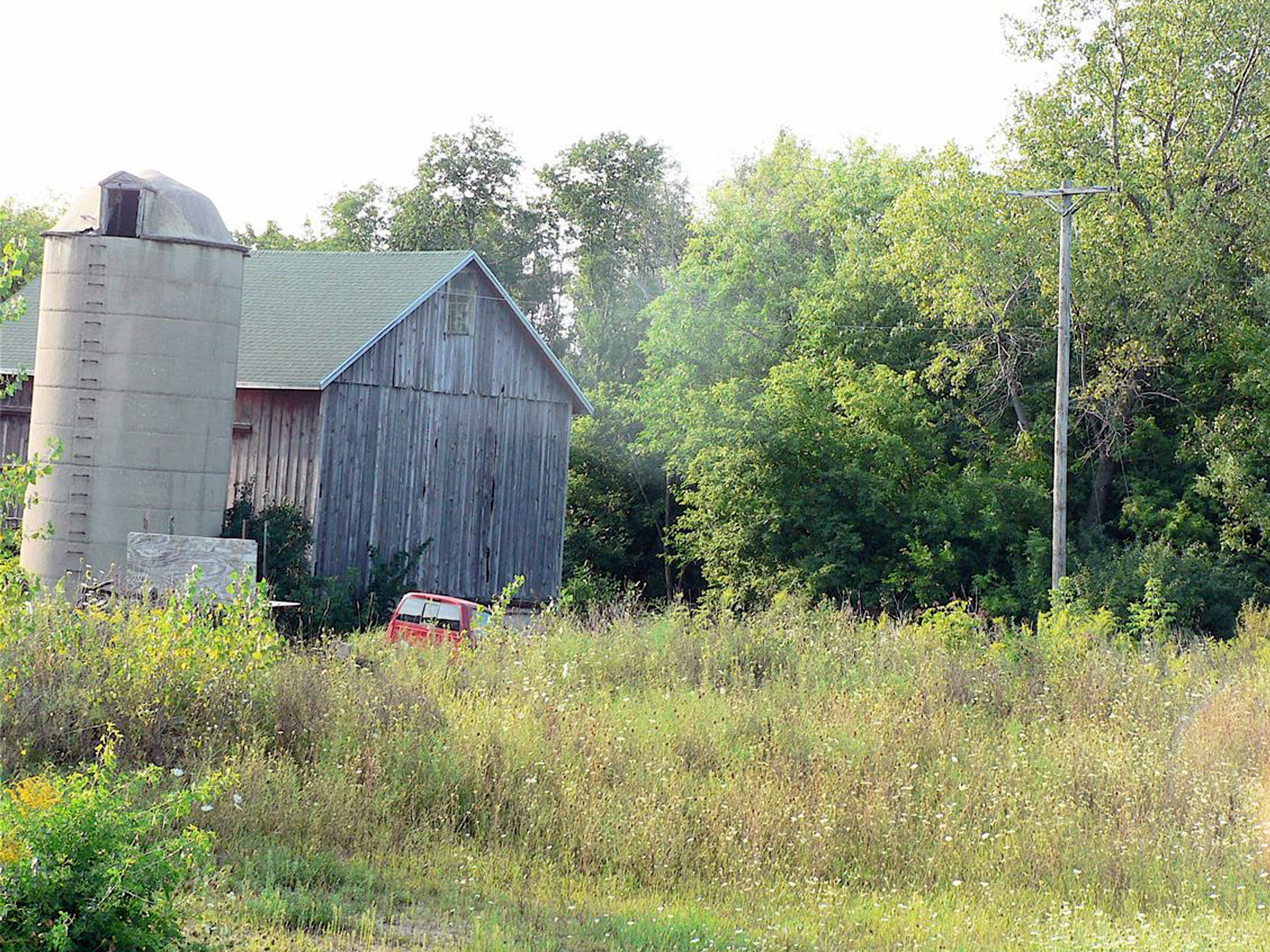 The old barn that still exists, but is mostly unseen and un noticed just off a busy Madison street.