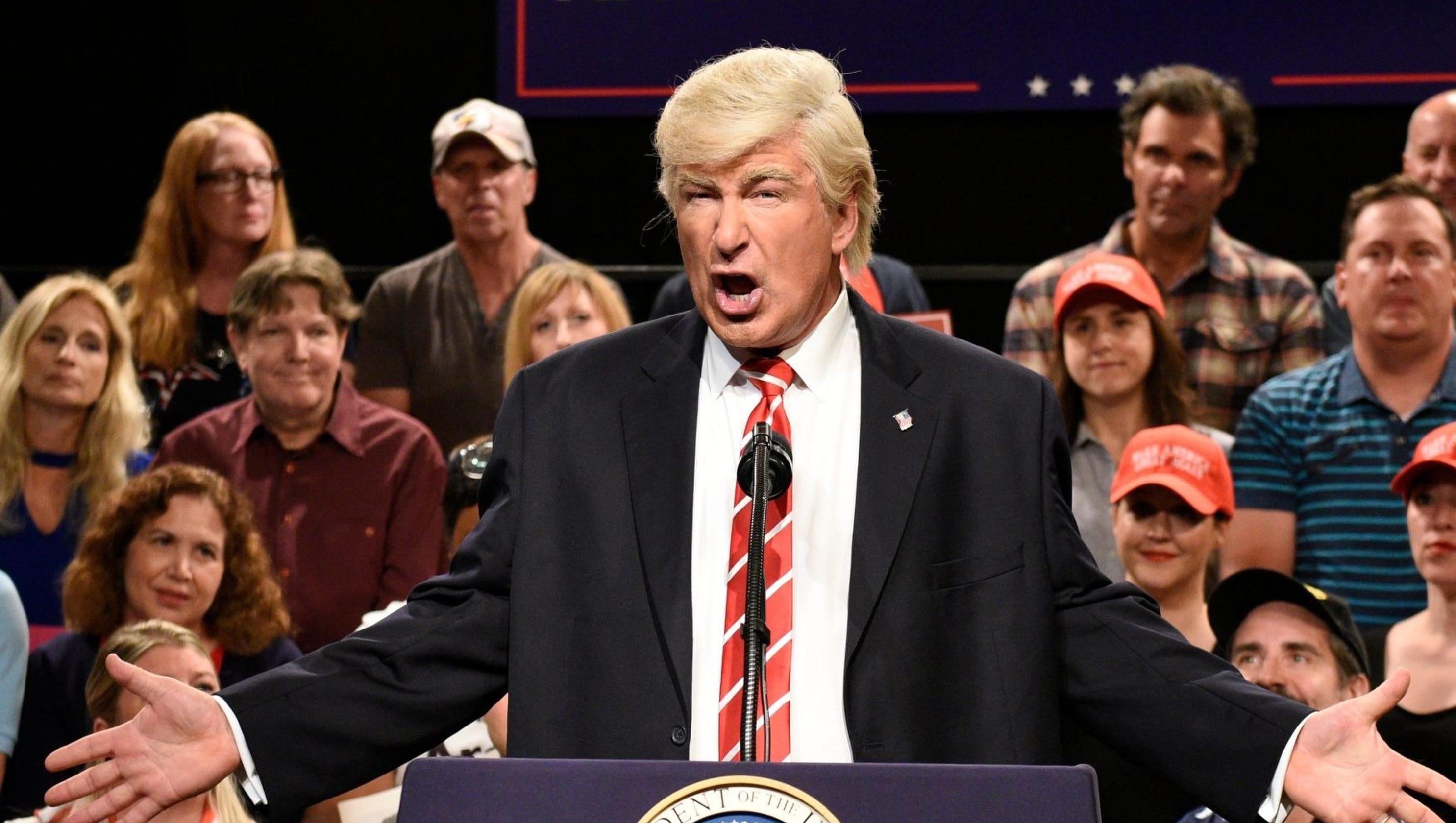 Trump, Alec Baldwin battle after 'SNL' mocks national emergency