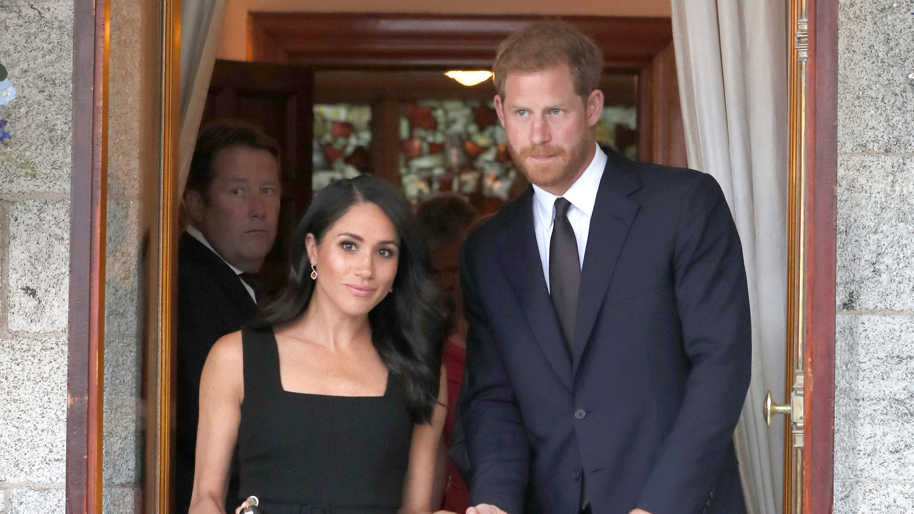 Meghans First 100 Days Of Royalty A Triumph Except For Her Family Andrew Smith Slim Fit Chinos Navy 33