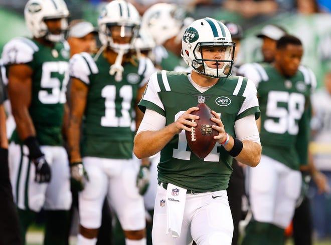 New York Jets quarterback Sam Darnold (14) during pre game warm up at MetLife Stadium.