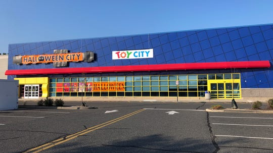 "A Toy City pop-up store will open in the old  Toys ""R"" Us store in Eatontown."
