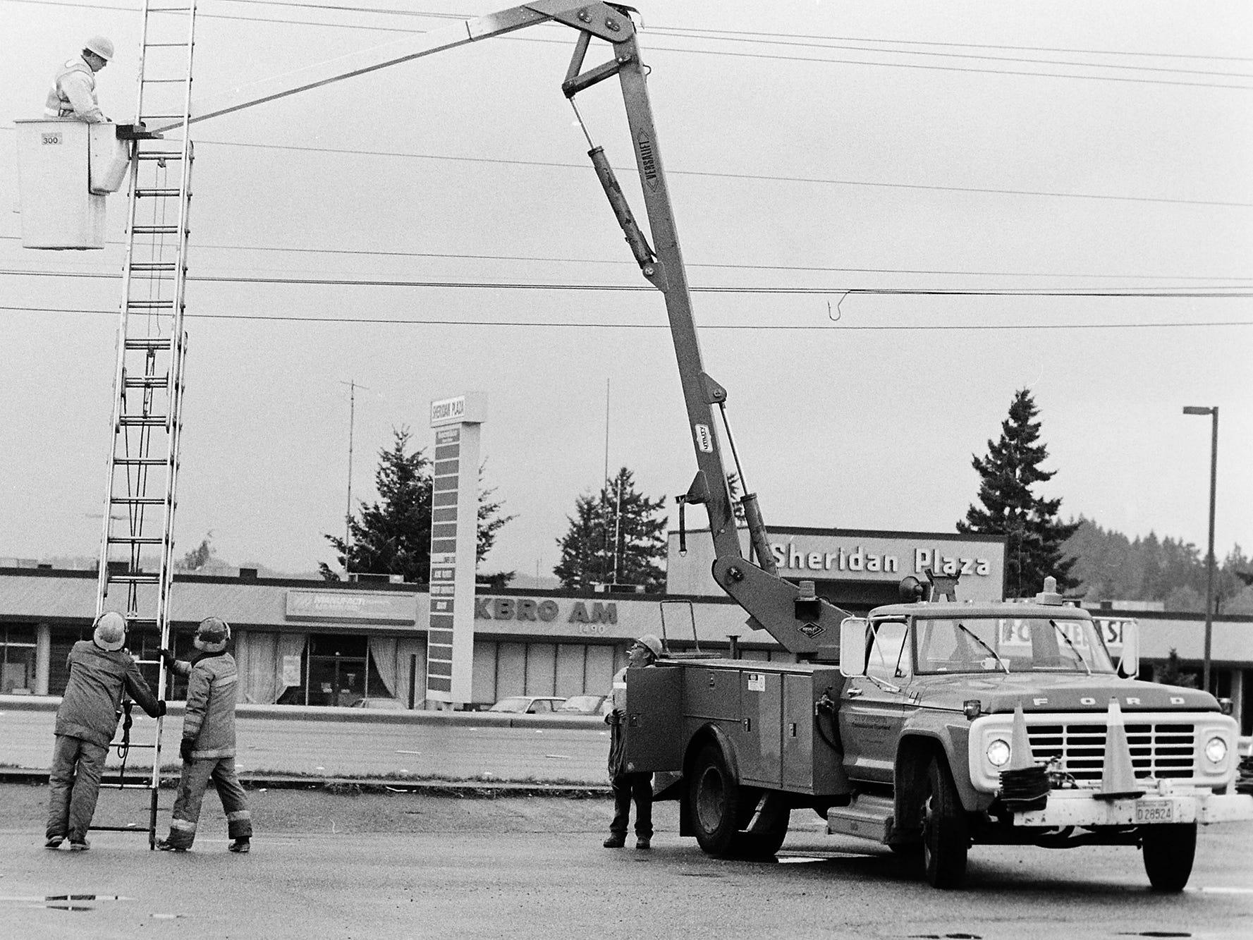 06/03/88Bremerton Employee Rescued