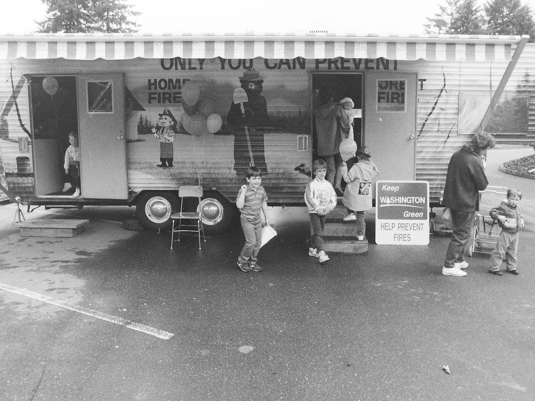06/05/88Kids day District 15 Fire Station
