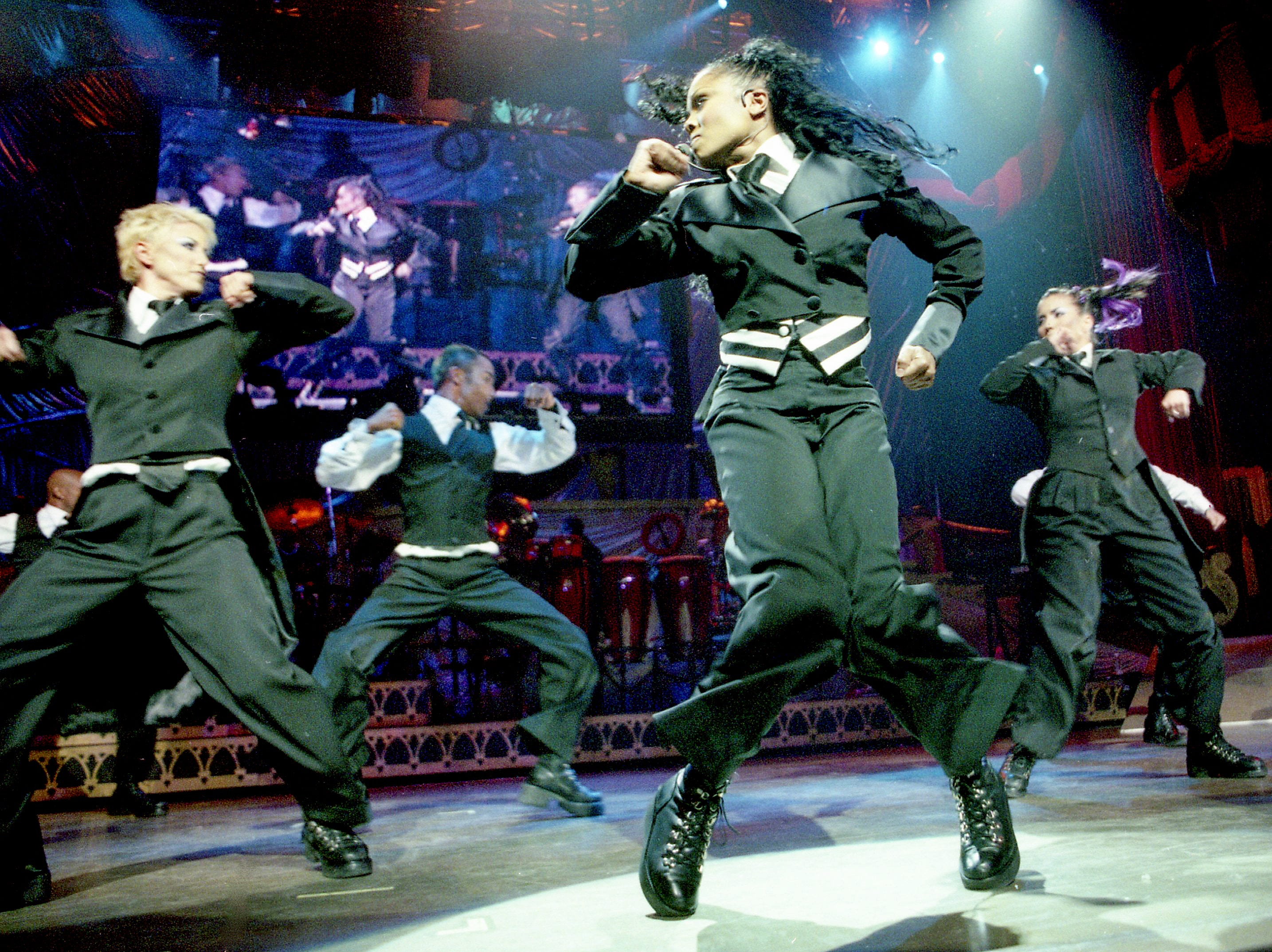 Janet Jackson preforms in new Bi-Lo Center on the area's opening night Thursday, September 3, 1998.