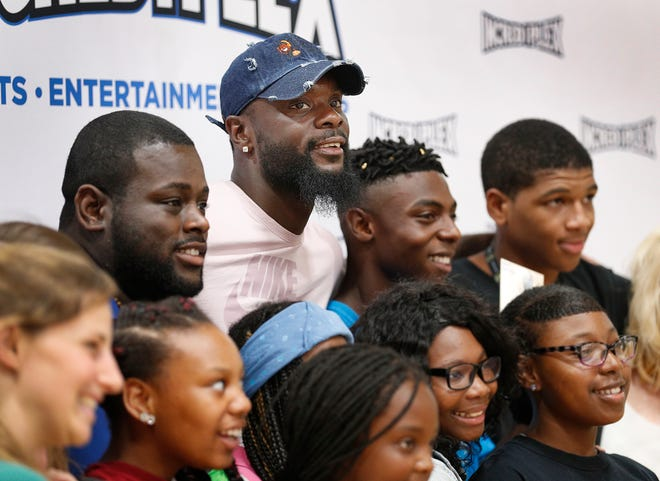 \Lance Stephenson got to hang out and sign autographs with fans during a farewell to Indy family event at Incrediplex event center Wednesday, August 29, 2018.