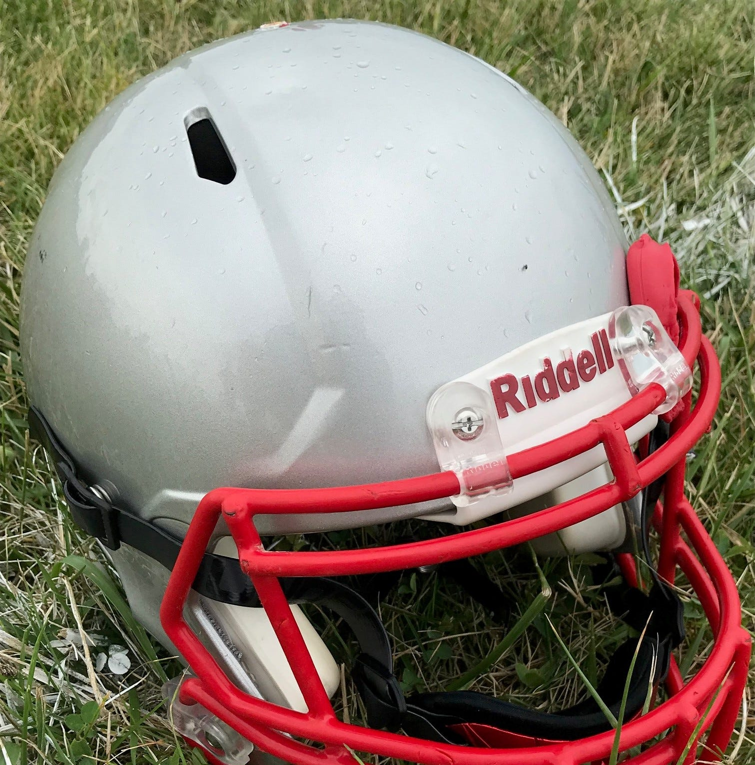 High School Football Roundup: Elgin rally falls short at Riverside