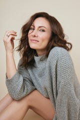 Laura Benanti is behind the #SunshineSongs campaign on Twitter.
