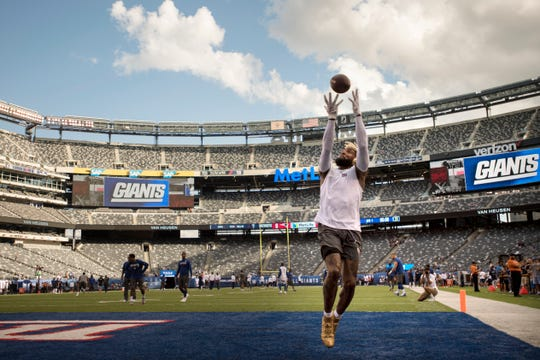 Giants vs. Patriots preseason game at MetLife Stadium in East Rutherford on Thursday, August 30, 2018. G #13 Odell Beckham Jr. makes a catch before the start of the game.