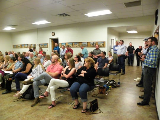 The public showed up to the Alamogordo Public Schools work session where NMPED grades were discussed.