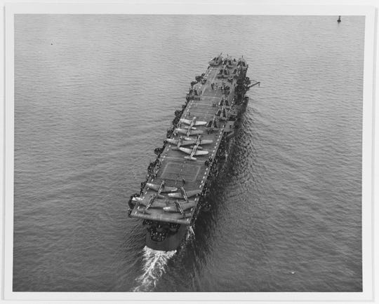 The USS Independence (CVL 22) had a flight deck rather than big guns as a result of a decision in January 1942 to convert a number of light cruisers to aircraft carriers.