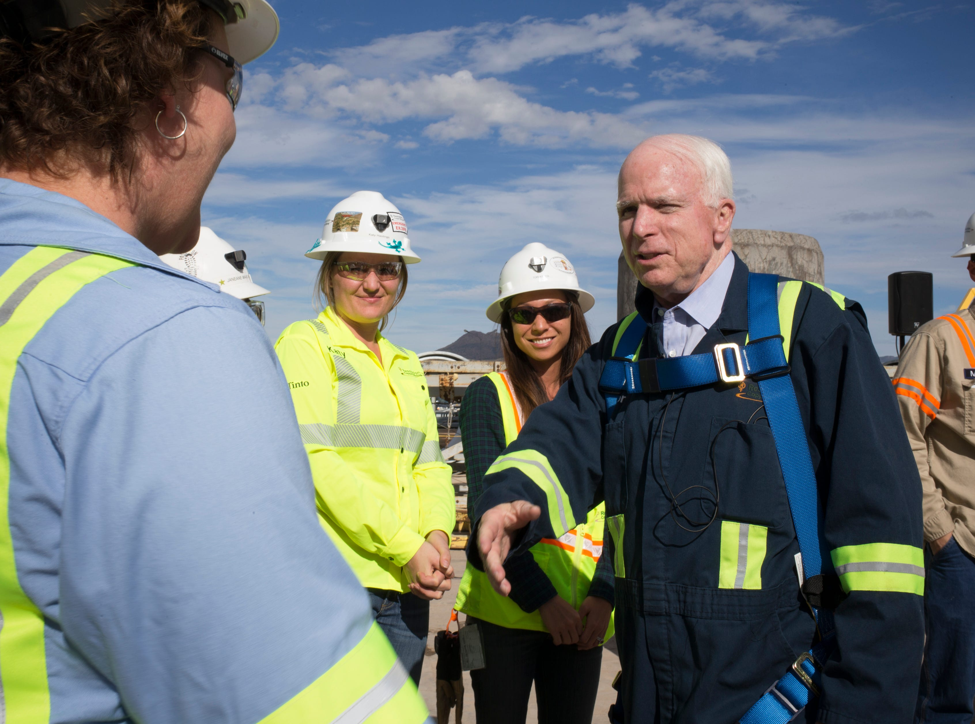 Sen. John McCain meets employees on Oct. 7, 2014, at Superior's Resolution Copper.