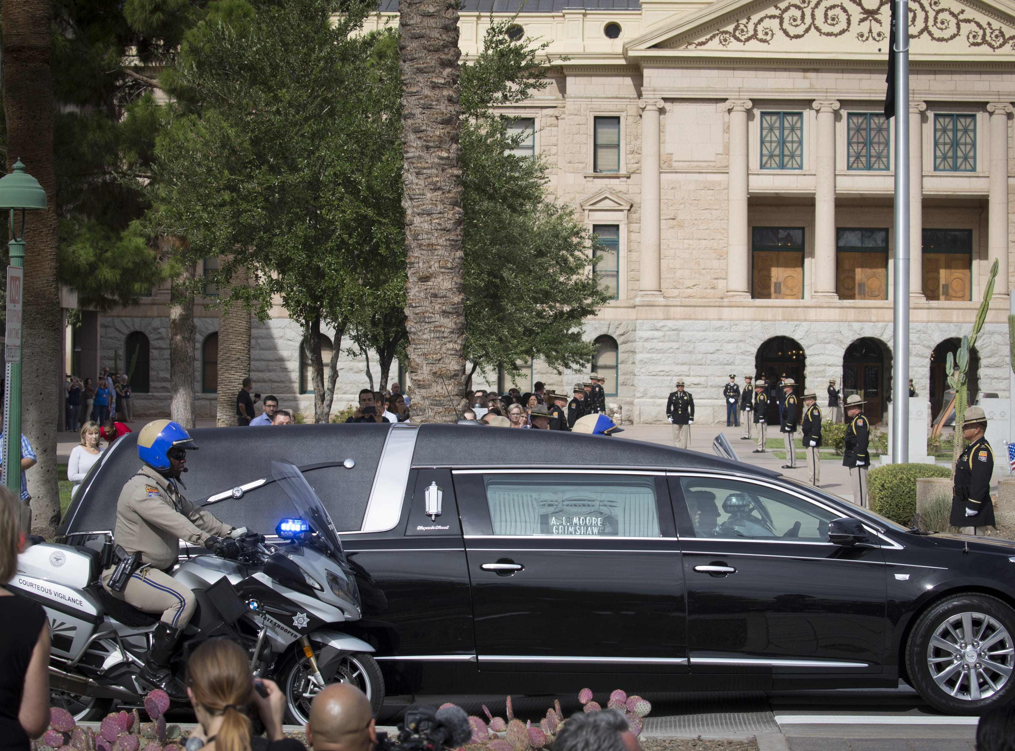 The John McCain motorcade arrives at the Arizona State Capitol, Aug. 30, 2018, Phoenix, Arizona.
