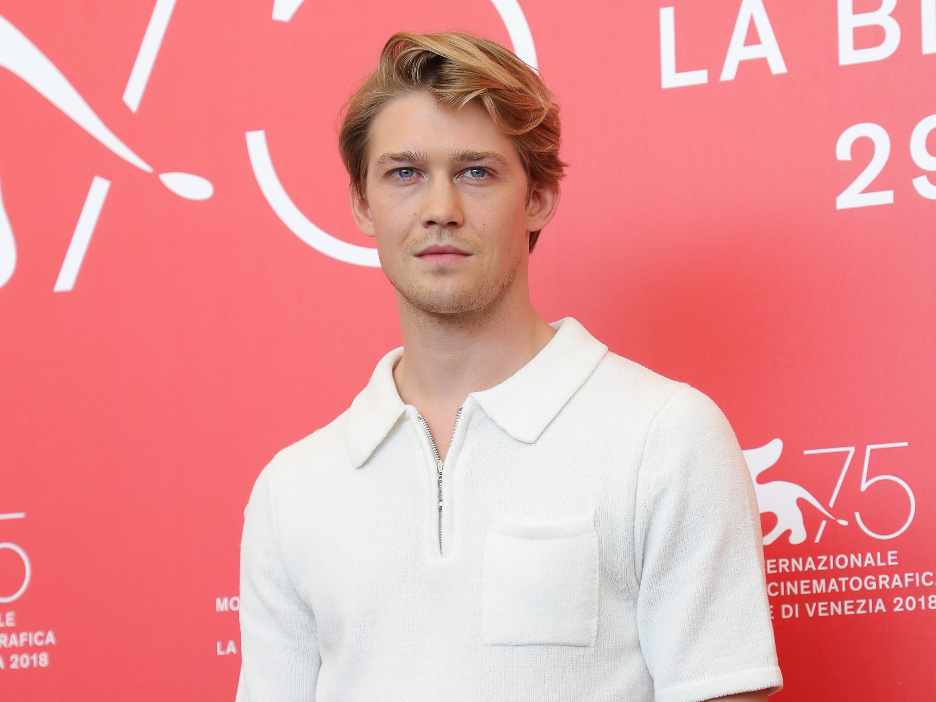 VENICE, ITALY - AUGUST 30:  Joe Alwyn attends 'The Favourite' photocall during the 75th Venice Film Festival at Sala Casino on August 30, 2018 in Venice, Italy.  (Photo by Vittorio Zunino Celotto/Getty Images) ORG XMIT: 775200657 ORIG FILE ID: 1025254644 x