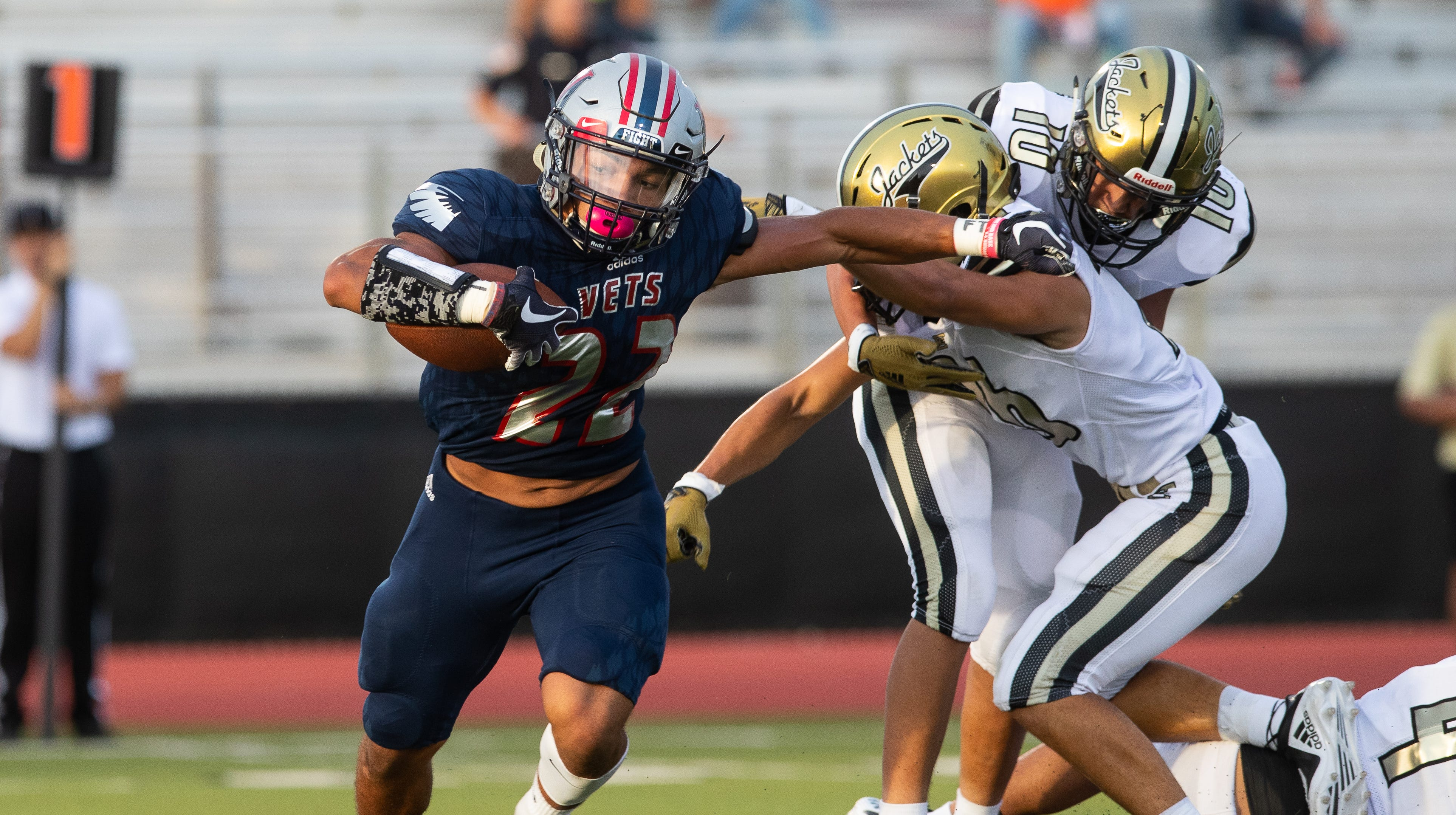 GAME OF THE WEEK: Flour Bluff, Veterans Memorial clash in early district showdown