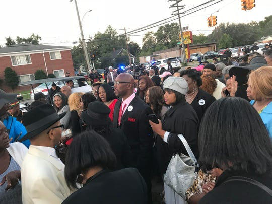 Crowds gather outside Greater Grace Temple before the funeral for Aretha Franklin in Detroit on Friday, August 31, 2018.