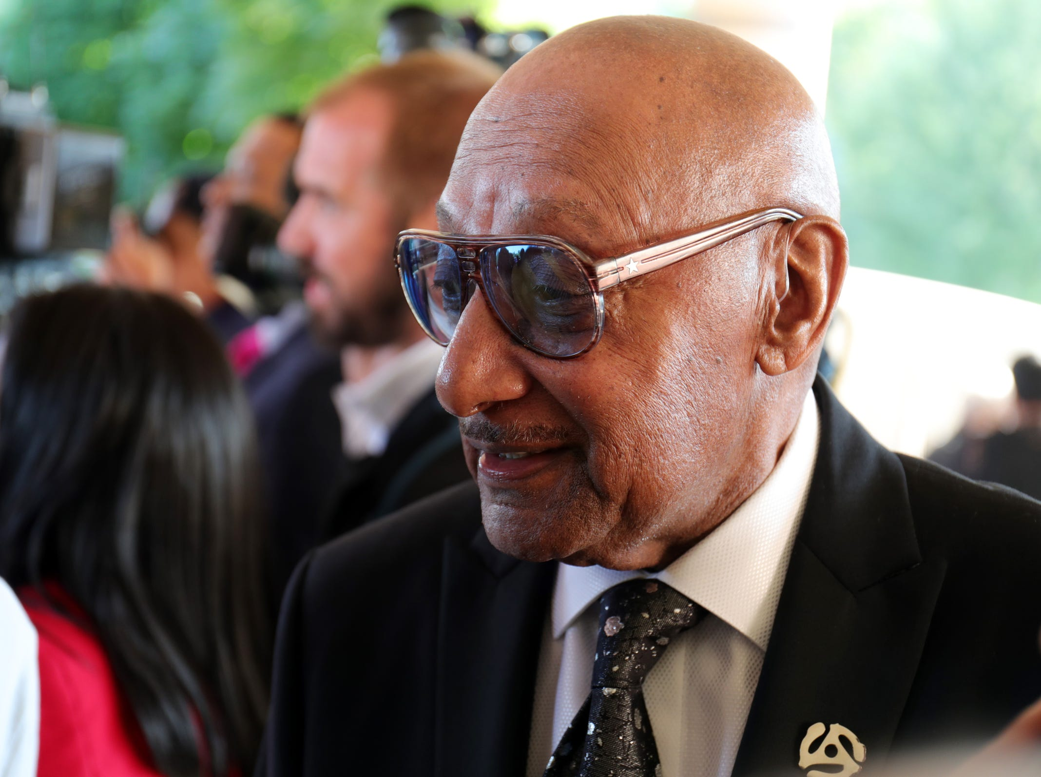 "Abdul ""Duke"" Fakir stops to speak to media as he arrives for Aretha Franklin's funeral at Greater Grace Temple in Detroit on Friday, August 31, 2018."