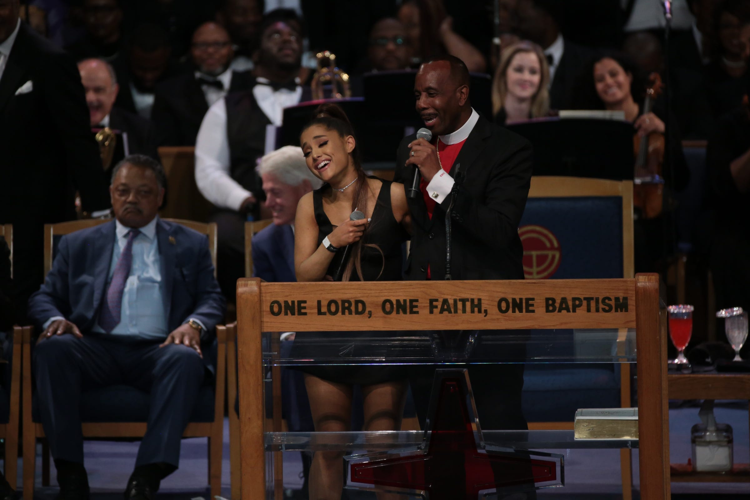 Aretha Franklin funeral bishop apologizes to Ariane Grande for name joke, inappropriate touching