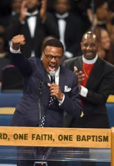 Judge Greg Mathis tells a powerful story during Aretha Franklin's memorial service.