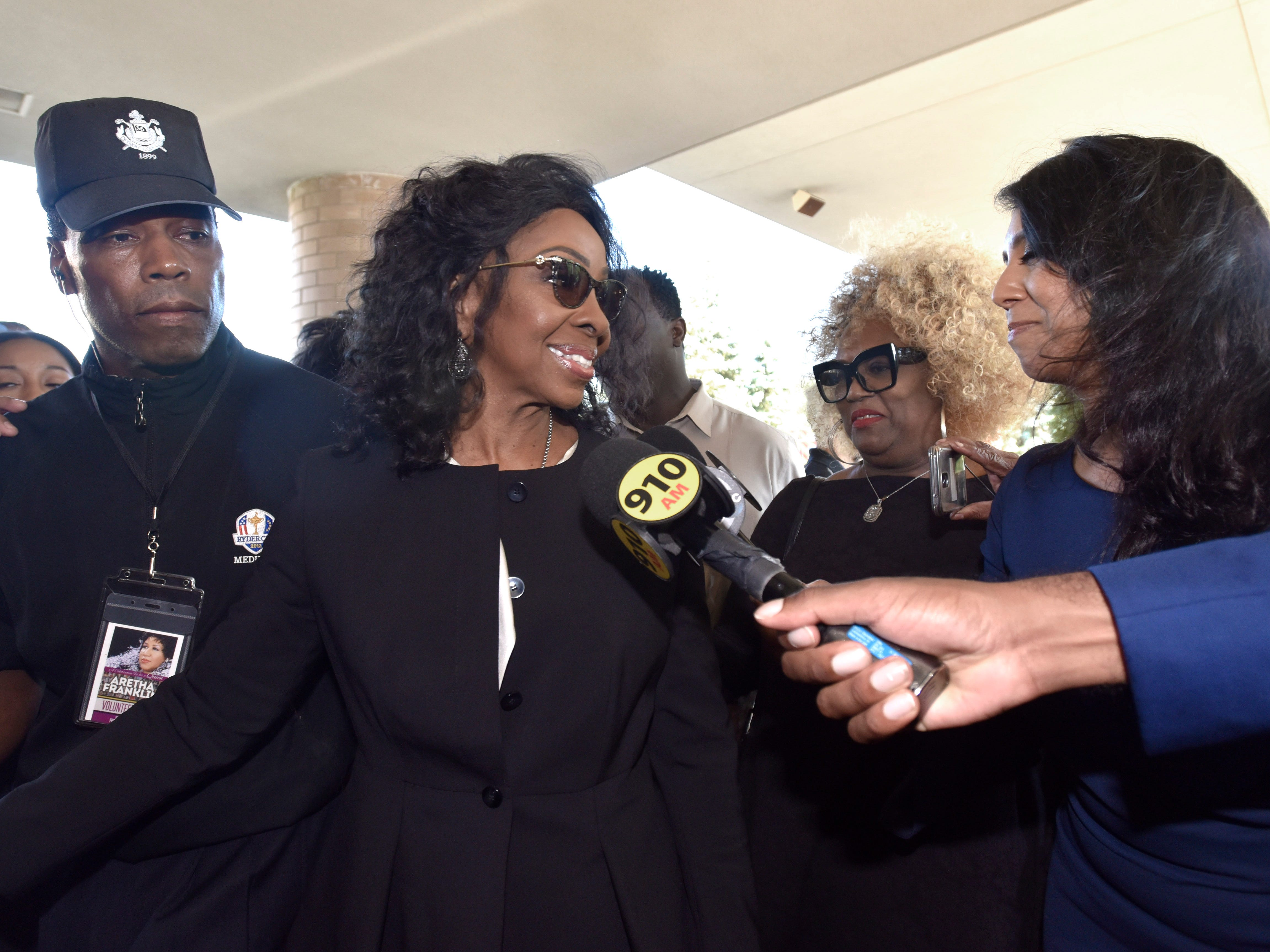Singer Gladys Knight talks to reporters.