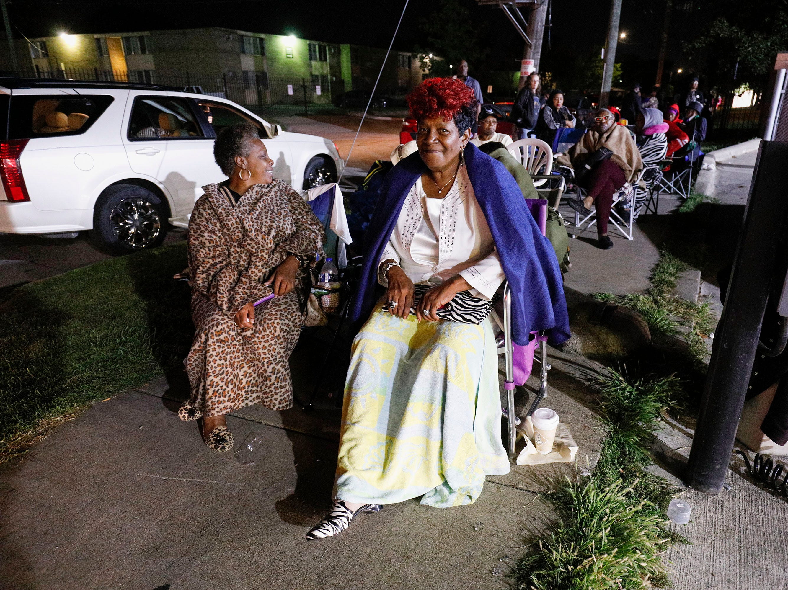 Fans of soul music icon Aretha Franklin line up outside Greater Grace Temple at 2:30 a.m. Friday, hoping to be one of the thousand members of the general public to be allowed in to the singer's funeral.