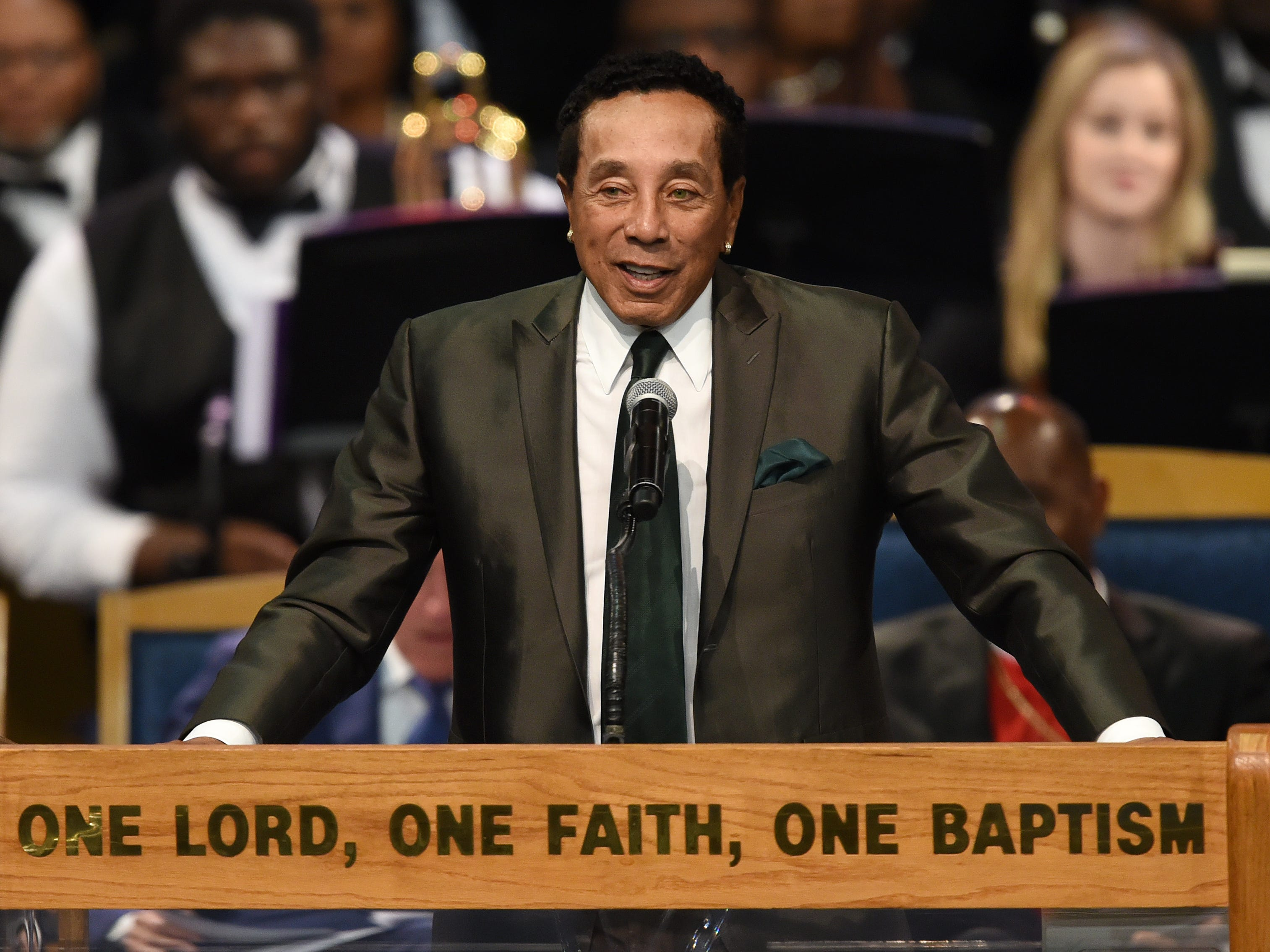 Smokey Robinson shares his memories of Aretha Franklin during her memorial service.